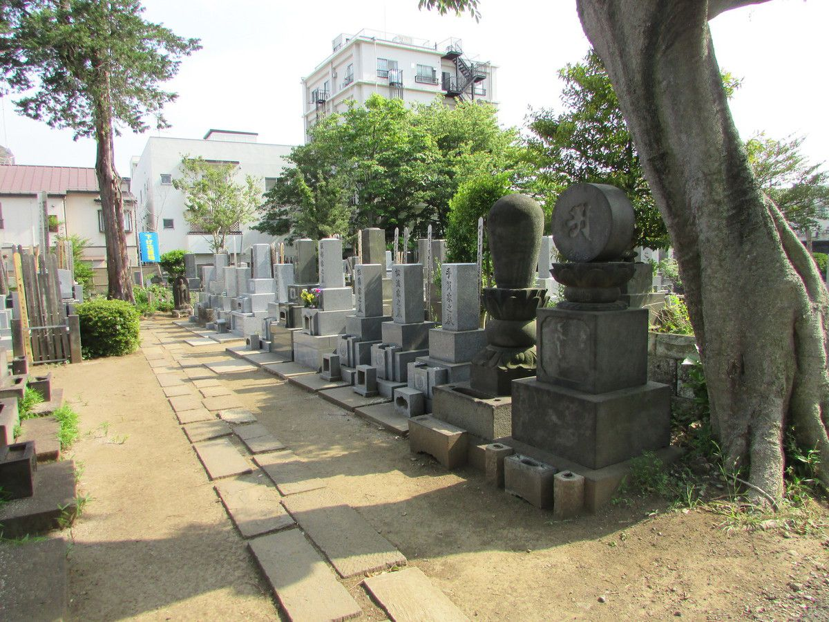 Les cimetières de Yanaka de Tokyo.