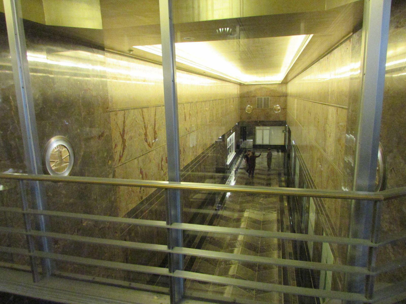 Visite de l'Empire State Building ( la montée vers le sommet).