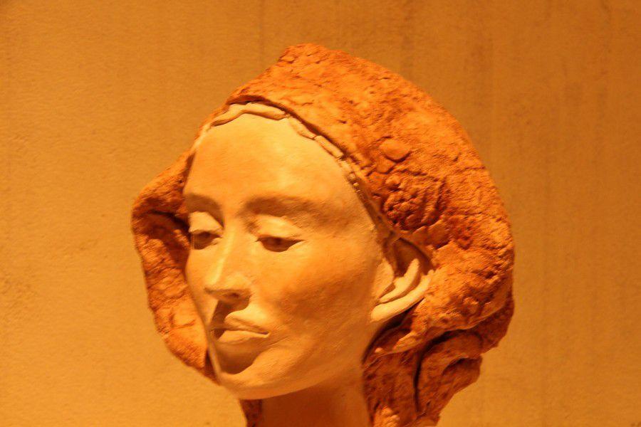 ces sculptures en terre cuite et patinee pièce unique vous sont proposées à des prix special Noel