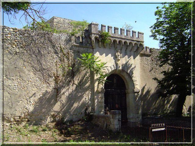 Diaporama château de la BASTIDE d'ORNIOLS - Goudargues