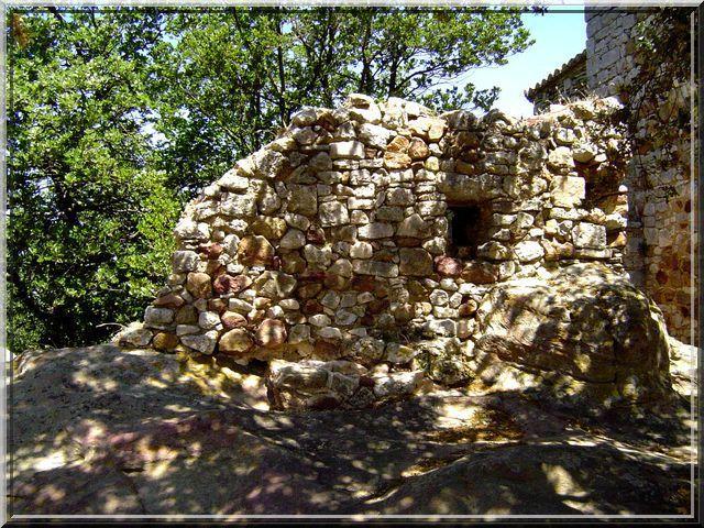 Pour le petit poucet, ce mur est presque un château fort !