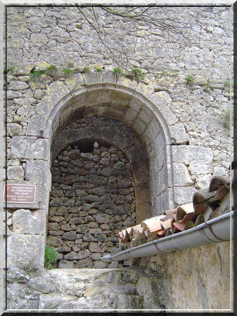 Diaporama église et château d'ENTRECASTEAUX