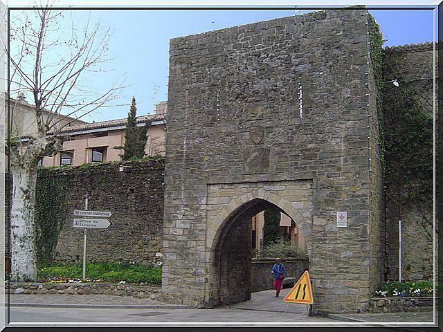 Etes vous transportés par cette porte fortifiée ?
