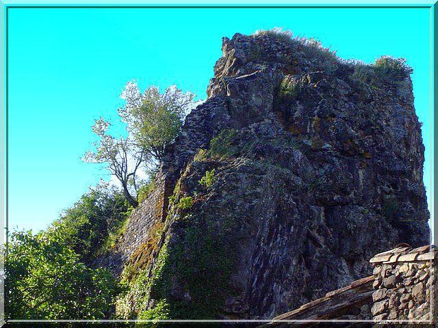 Diaporama château de La Roche d'APS à Alba la Romaine