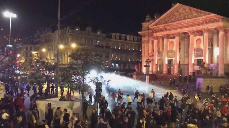 «On a été agressé par des bandes de sauvages», un pompier belge s'indigne des émeutes à Bruxelles