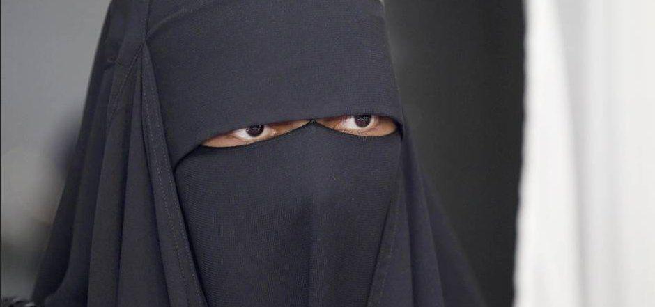 Bristol (Royaume-Uni) : un chef scout viré pour avoir dit que le voile intégral islamique porté par l'une de ses collègues pouvait « faire peur aux enfants »