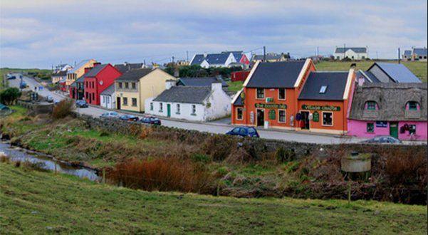 Référendum local en Irlande : un petit village de 300 habitants vote à 93 % contre le projet d'implantation d'une centaine de migrants