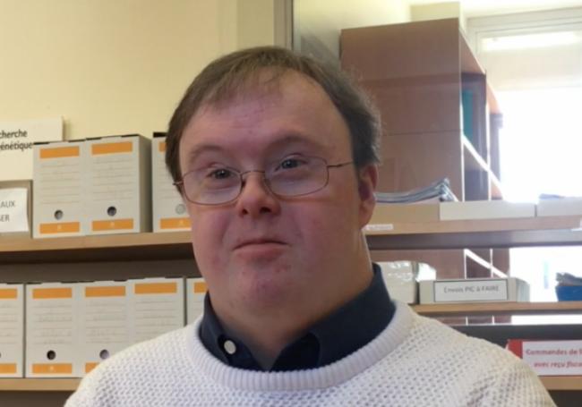 """John Franklin Stephens, porteur de la trisomie 21 : """"Ma vie vaut la peine d'être vécue"""""""