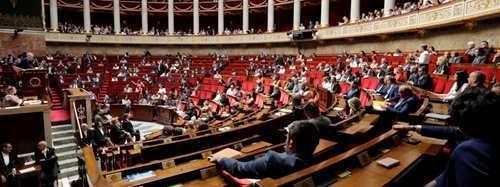 """L'Assemblée nationale supprime à l'unanimité le mot """"race"""" de la Constitution"""