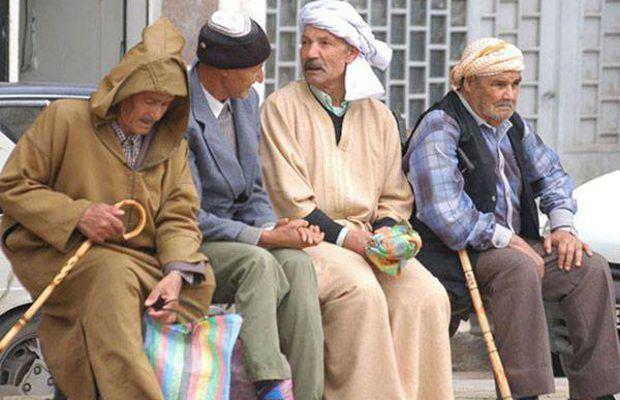 « Ils nous ont colonisés. Il faut bien qu'ils paient » : Les retraités, une nouvelle filière d'immigration algérienne vers la France