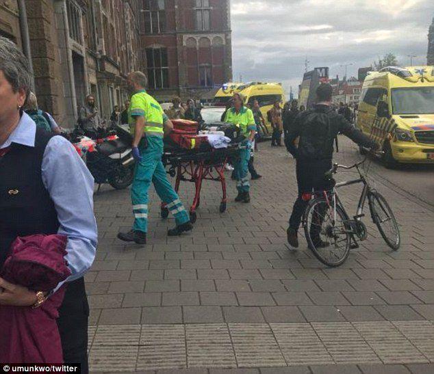 Amsterdam : un migrant afghan poignarde deux personnes (MàJ : Jawed a visé les Pays-Bas parce que l'islam y est «insulté»)