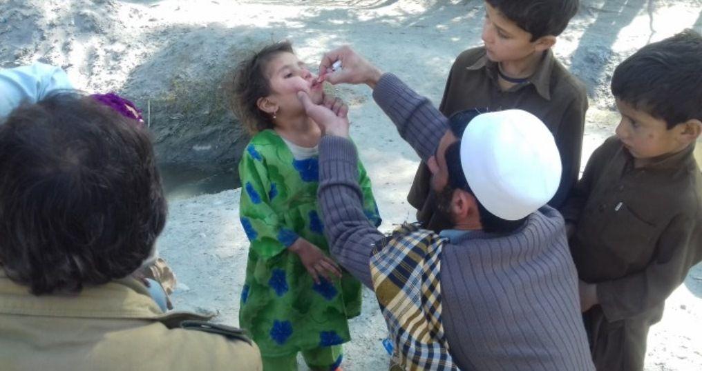 Deux enfants décèdent au cours d'une campagne de vaccination à Bara, en Inde (vaccinations contre la polio et la rougeole)