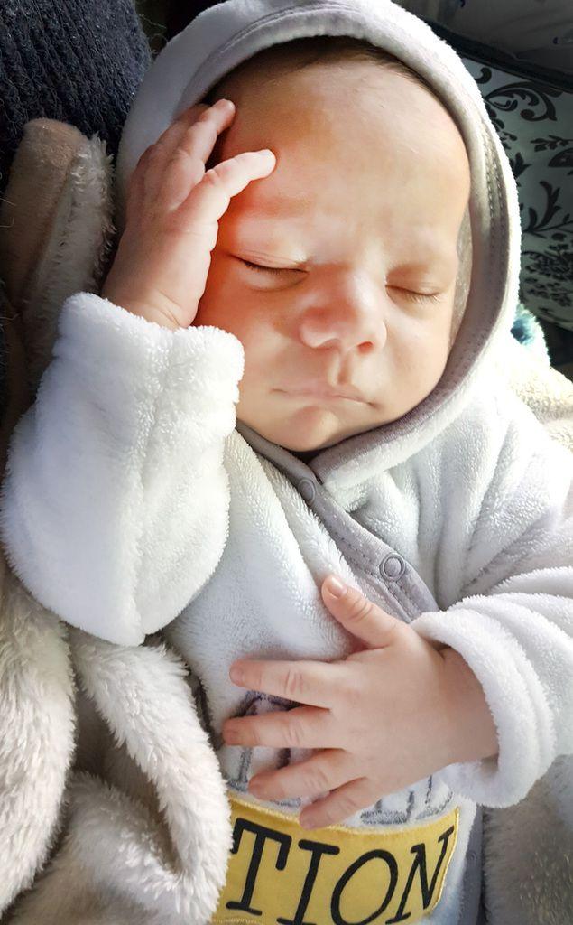 Décès d'un nourrisson de 14 semaines, né en bonne santé, moins de 24H après ses 8 vaccins