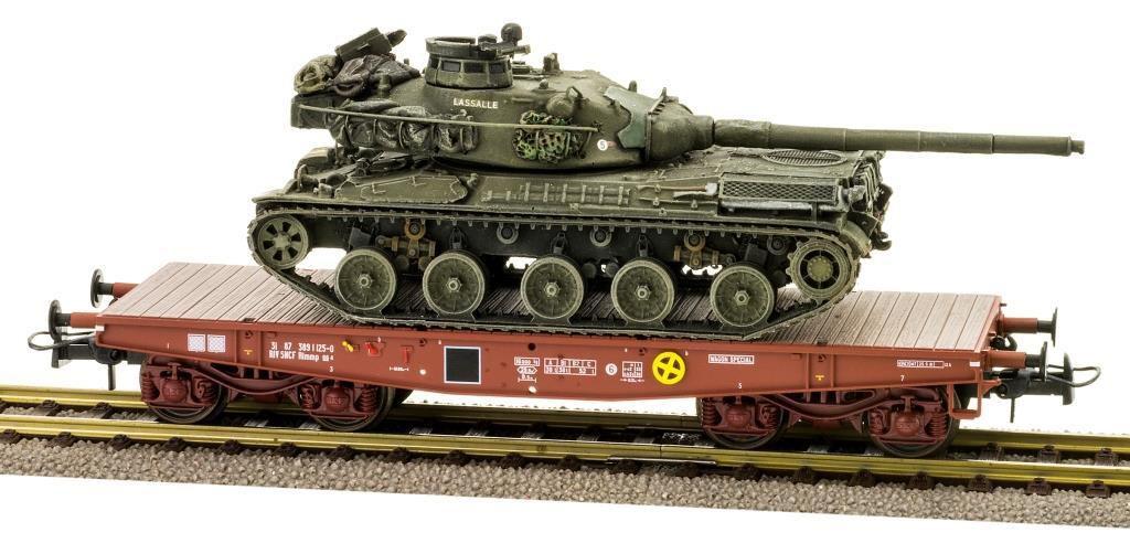 Les AMX-30B Bonaparte, Lassalle et Marceau sur wagon...