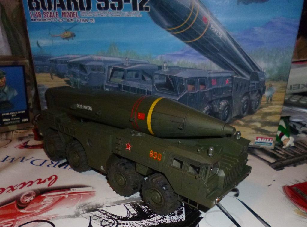 Tracteur-Erecteur-Lanceur MAZ 543  lanceur de missile Scud (par Jean-François)