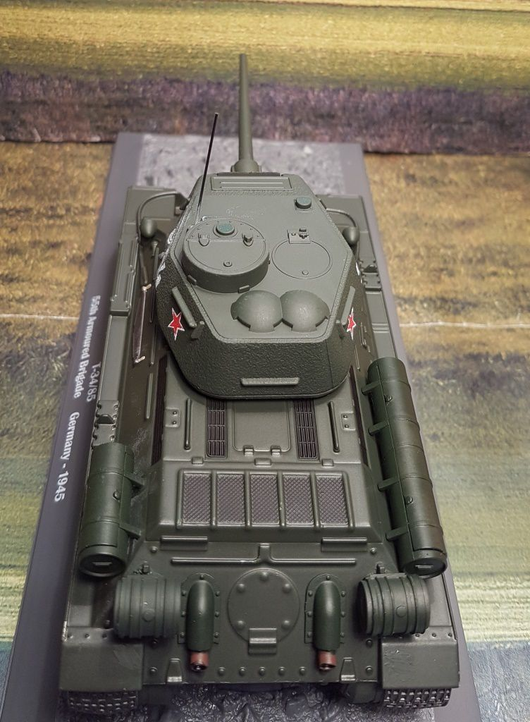 Char T-34/85 au 1/43 (Alatay/Ixo)