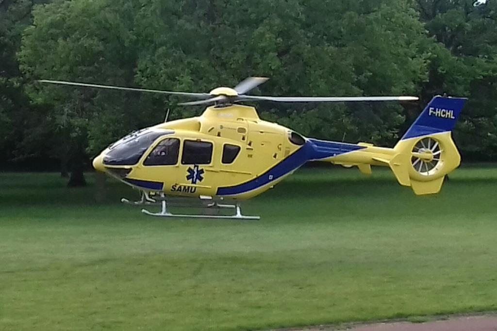 Véhicules&matériels : Hélicoptère EC-135 du SAMU