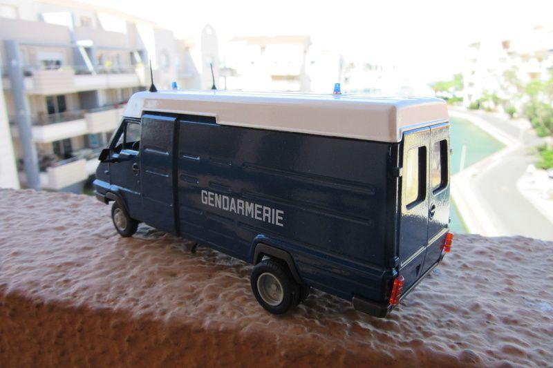 Renault B120 Gendarmerie au 1/43