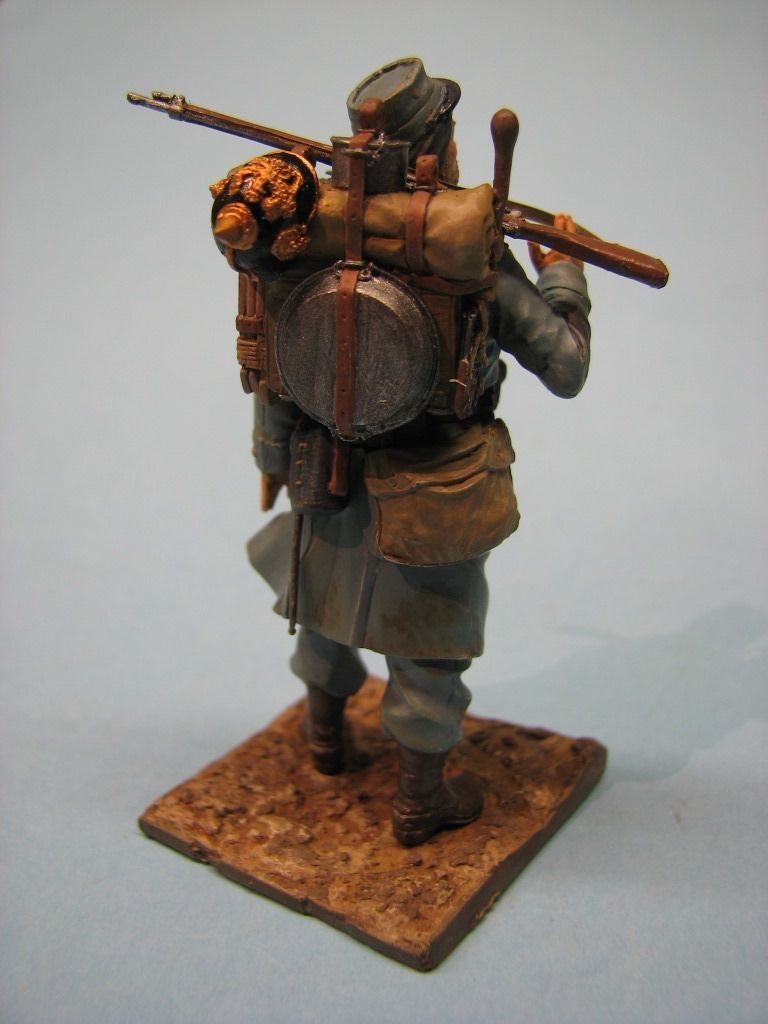 La figurine peinte par Robert B... : beau travail !