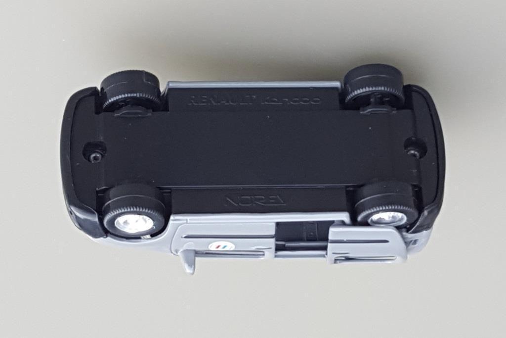 Renault Kangoo Vigipirate de chez Norev  (Echelle 3 Inches et 1/43) - Mise à jour 17 juillet 2018