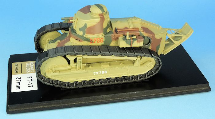 MF32001 - Char léger Renault FT tourelle Berliet canon 37mm France 1940 (1/32 -  239 €)