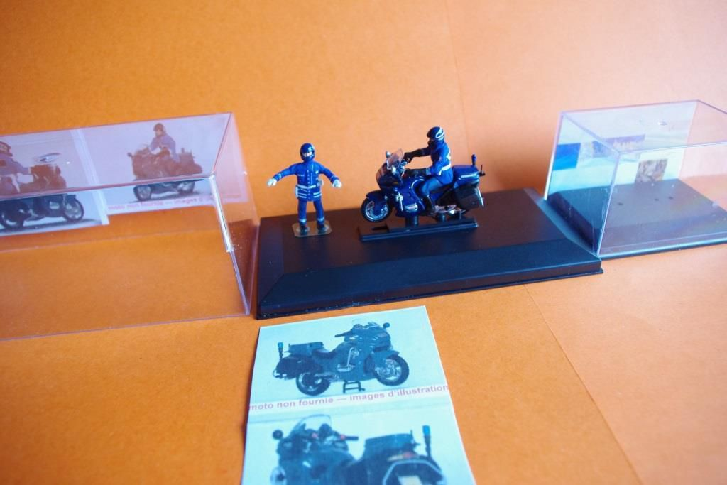 BMW 1100 RT  Gendarmerie au 1:43 (par Jean-Pierre B.) - Article rectifié