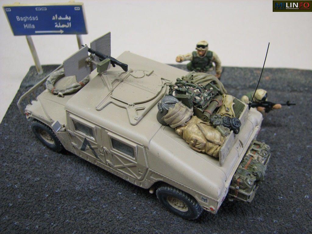 Diaporama 1 : Hummer au 1:48 (origine Tamiya, monté et peint par Elodie Saint-Lot) sur diorama WarTank