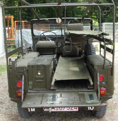 Modif : Jeep M38A1 ambulance au 1/43 sur base Mebetoys (par Hervé C.)