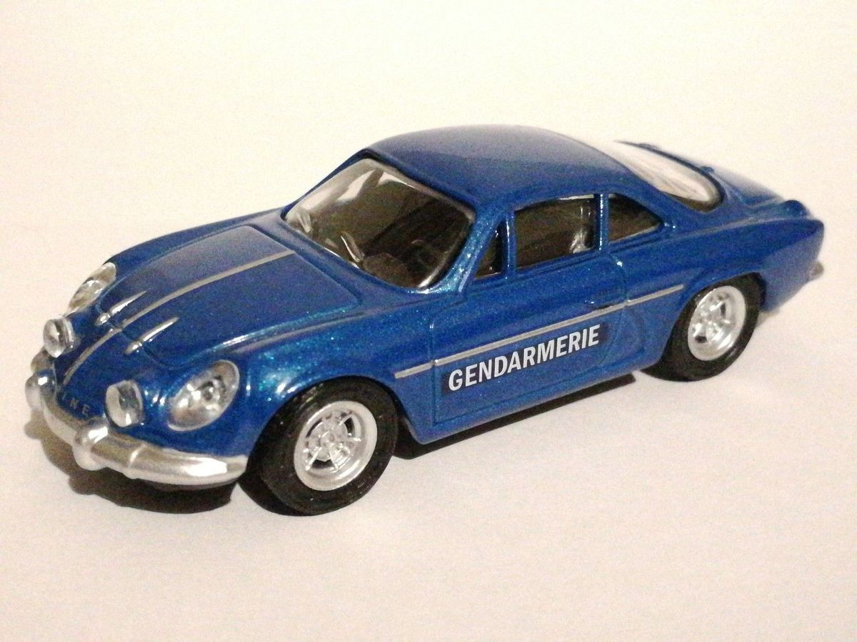 "Citroen DS et Alpine A110 Gendarmerie ""3 inches"" Norev (par Marc Lecuyer et ChL) - Ajout de photos"