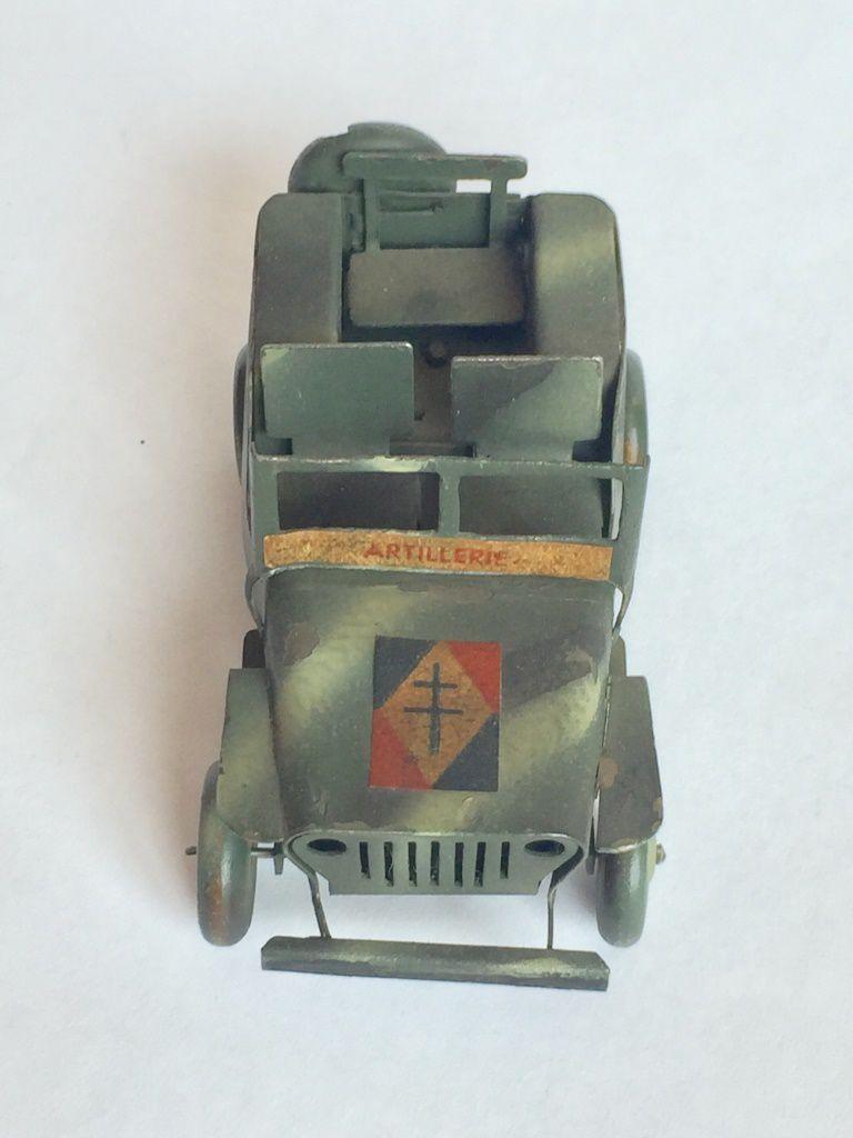 La jeep Polichinelle s'en va en guerre (par J. Hadacek)