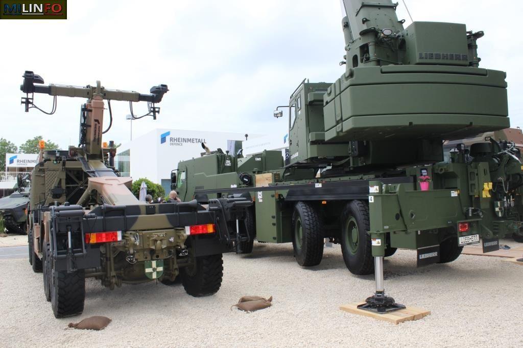 Rheinmetall et Liebherr sur le même stand...