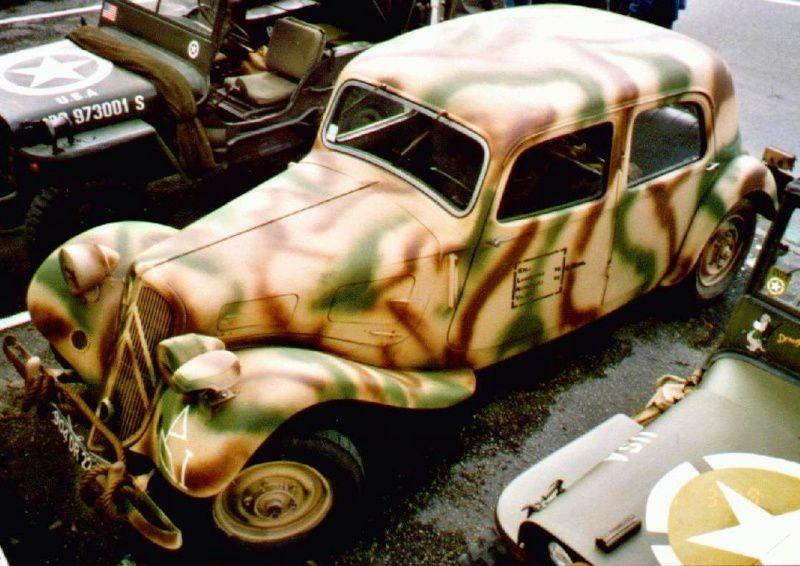 Extrait des photos de véhicules sous l'uniforme que l'on trouve sur le forum