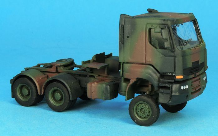 Sisu 6x6 porte-char et TRM 2000 au 1/87 (par Elodie)