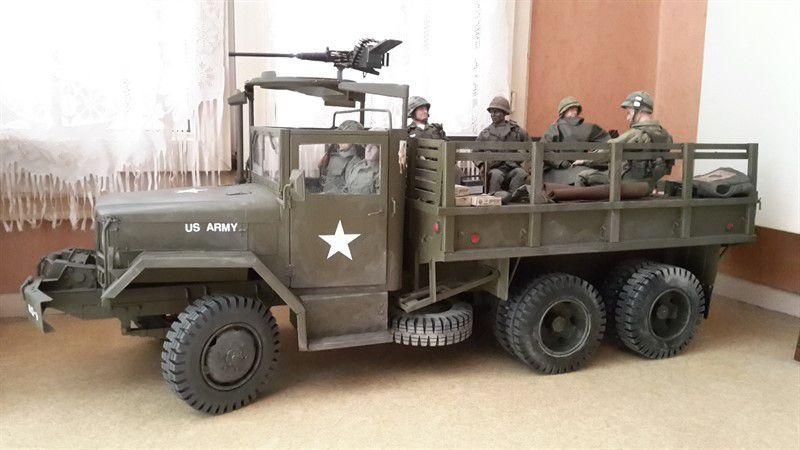 Le M35A2  au 1/6 débâché...