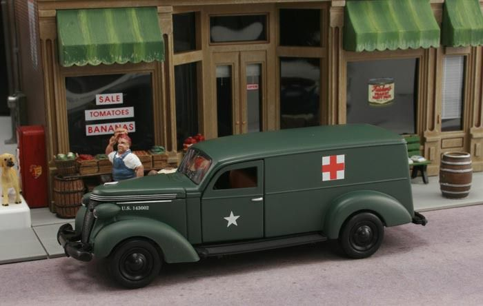 Studebaker 1937 ambulance militaire au 1:43 (The Phoenix Mint)