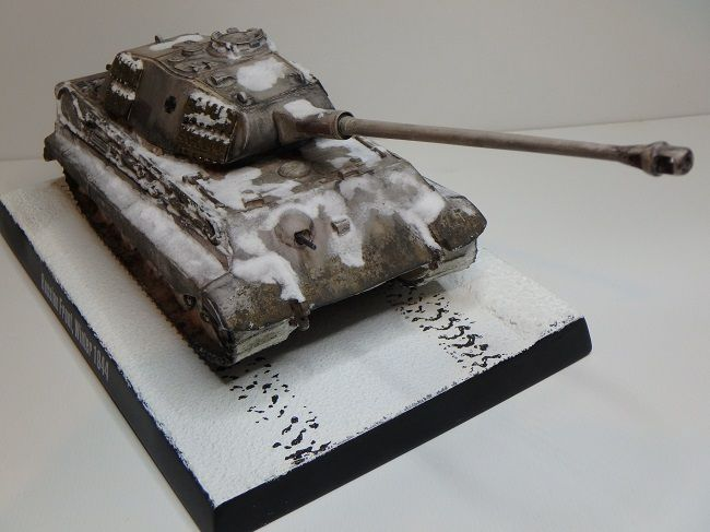 Modif : King Tiger au 1/48 de  chez Wartanks (par Marc H.)