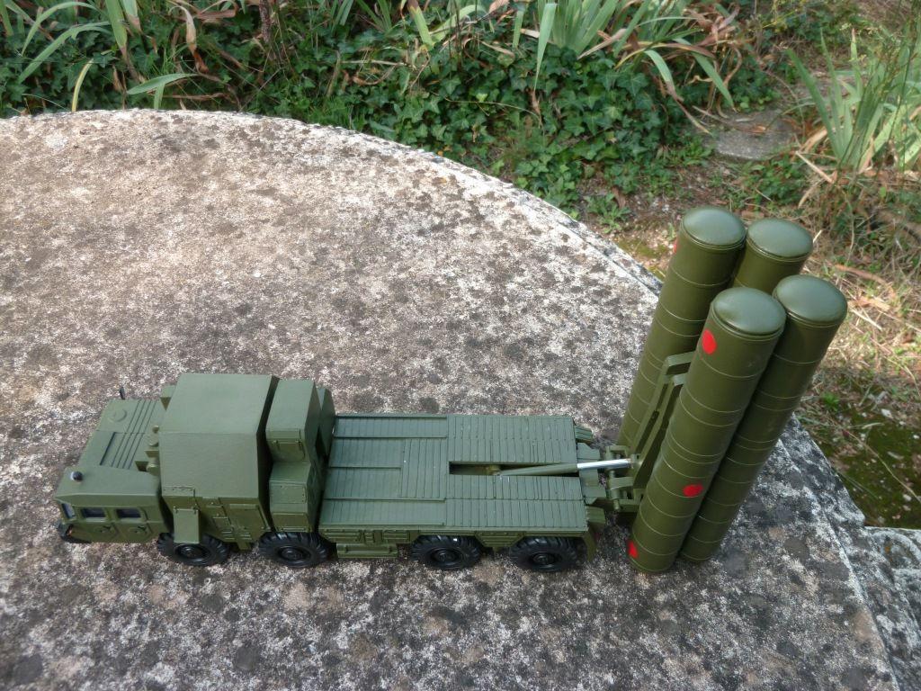Missile sol-air MAZ 543 S-300 au 1/43 (par Hercé C.)