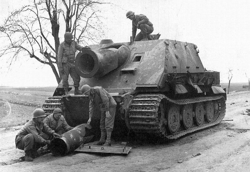 Canon d'assaut SturmTiger au 1:43 (Alatay/Ixo-PCT)