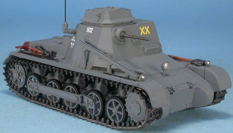 Sd.Kfz._265_Panzerbefehlswagen au 1:48 (par Marc H.) - Complété