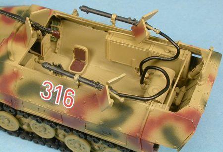 Hanomag Sd.Kfz.251 et Humber staff car au 1:48 (par Yann B.)