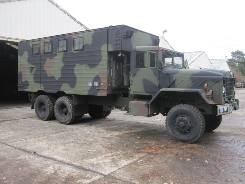 AM General M934 6x6 shelter (source photo : milweb.net)