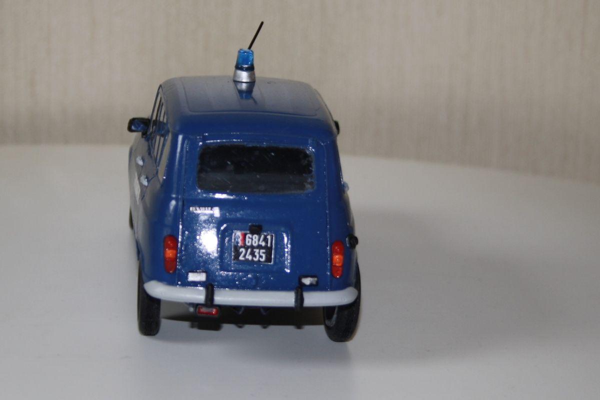 Maquettes gendarmerie : Renault 4L au 1/24 et BMX R60-5 au 1/6 (Heller)