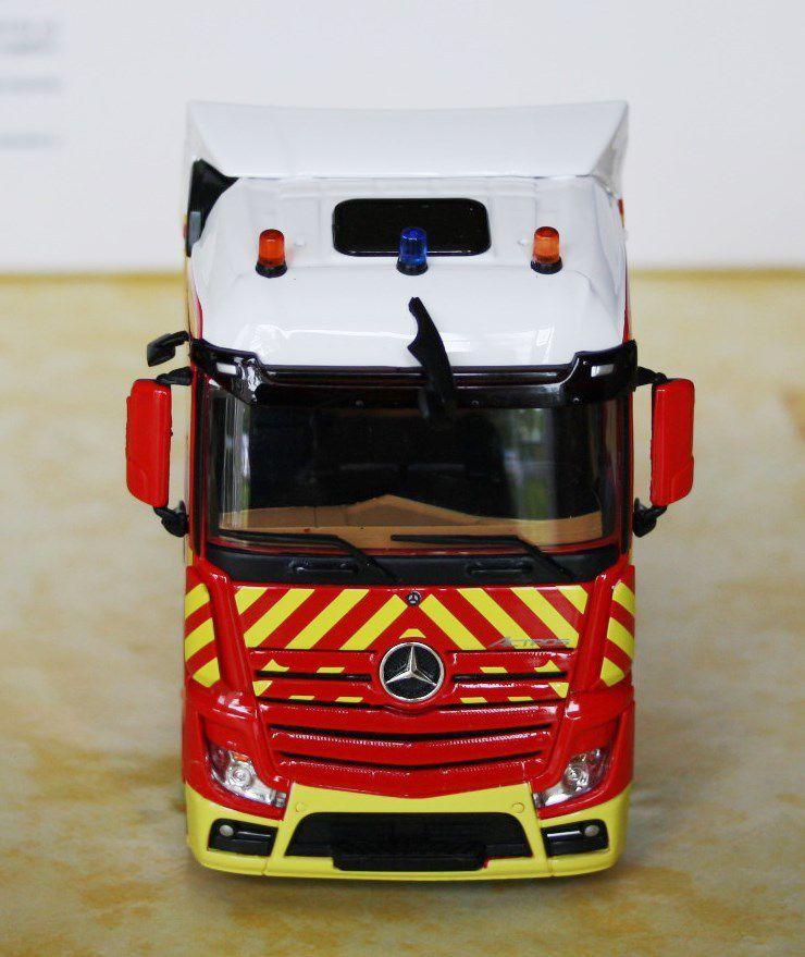 Mercedes Actros porte-engin au 1/43 (Eligor- par Frédéric R.)