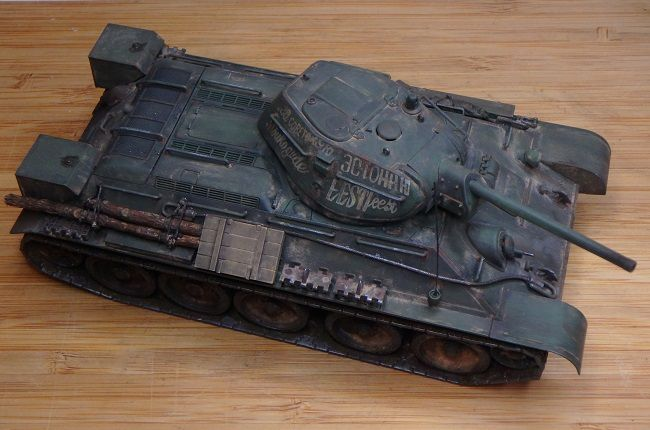 Char T34/76 au 1/48 (par Marc H.)