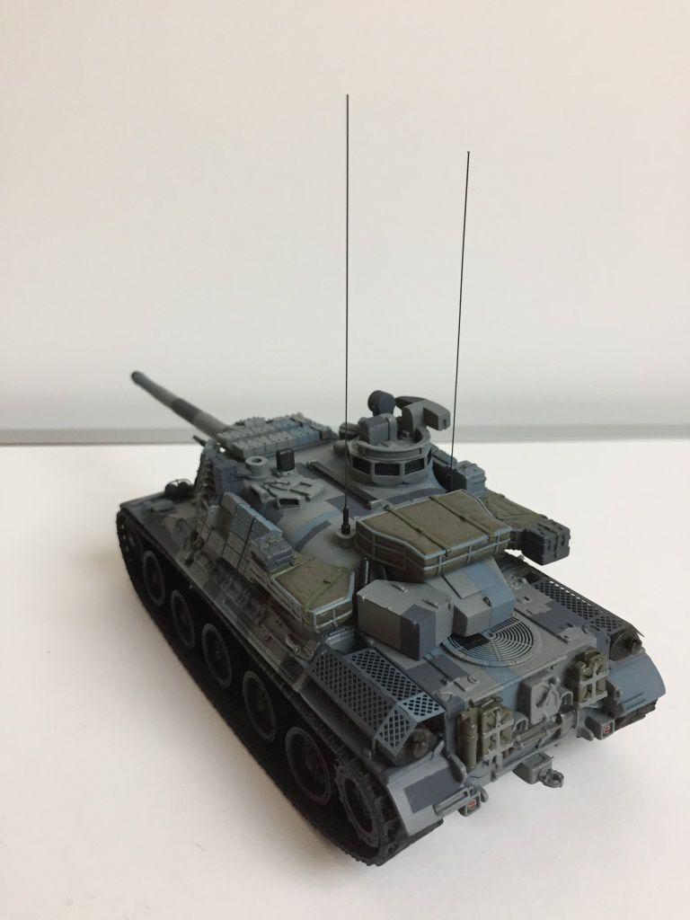 AMX-30 Brenus FORAD et  SISU E-tech porte-char au 1/50 (par Florent)