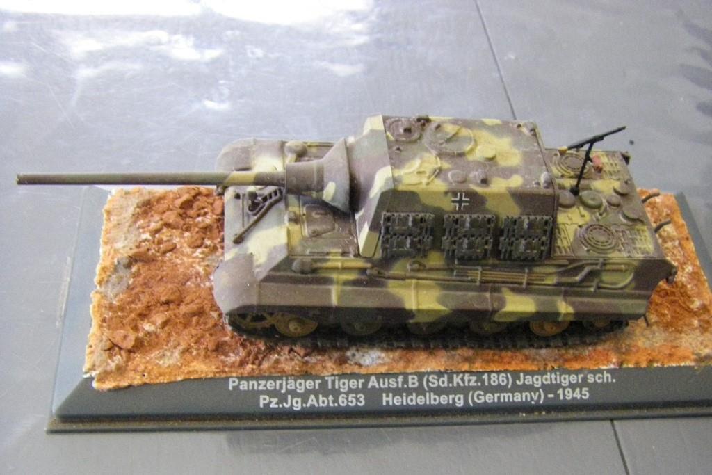Jagdtiger au 1/72