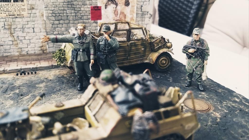 Diorama 1/35 : Kübelwagen Feldgendarmerie, Kettenkrad et Zündapp (par Patrick G.)