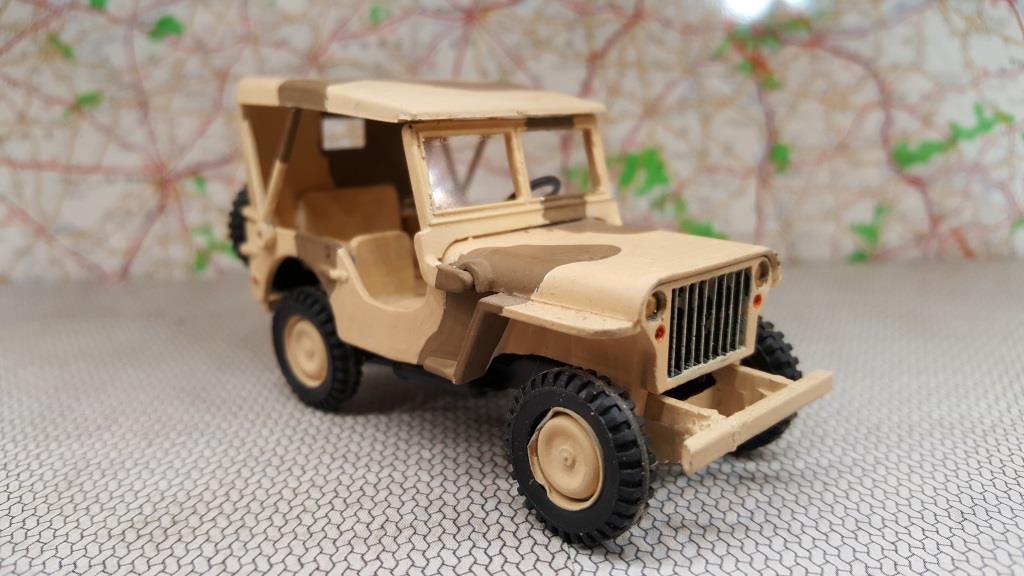 Jeep HotchkissM 201 camouflage sable