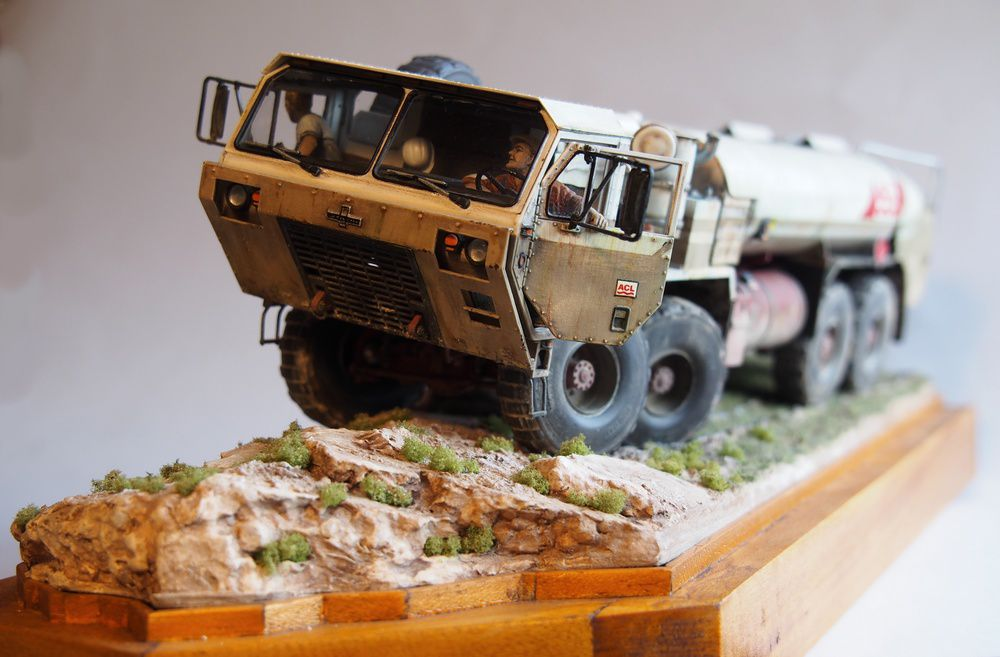 Oshkosh Hemtt 8X8 citerne civil (Base Italeri - 1/35 - par David C.)