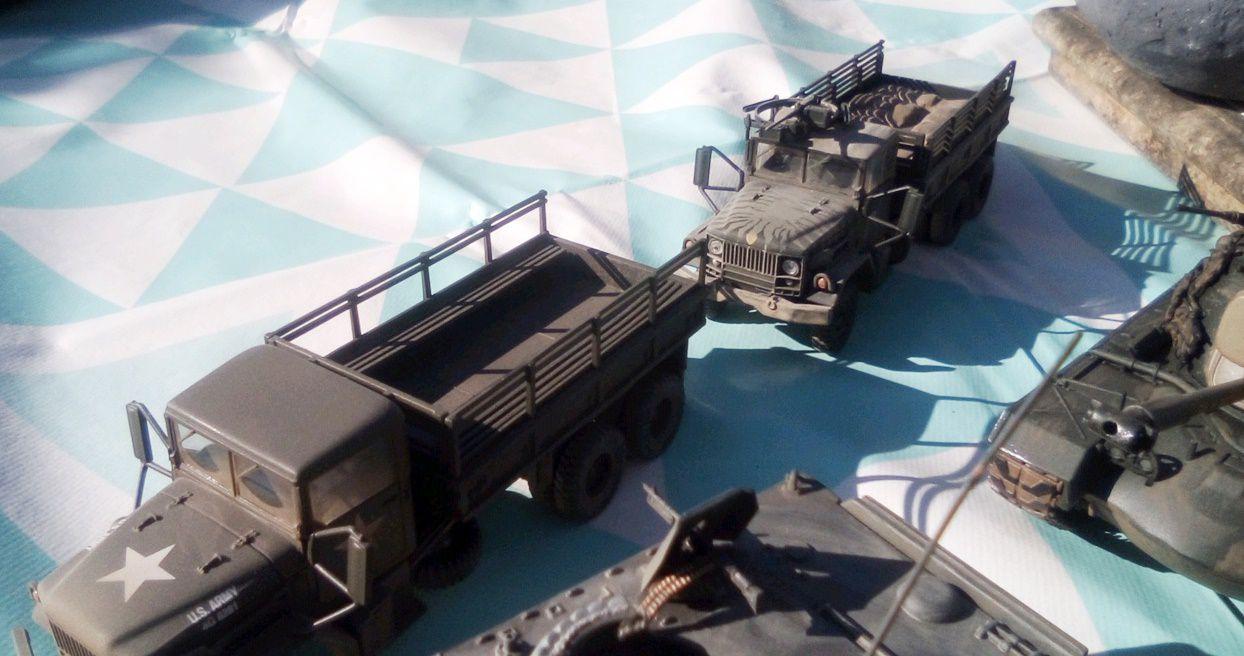 Ford M151 A1 Mutt, camion M35 A1 et gun truck, chenillé M113 (transport de troupes et ACAV), M106 mortier et char M48 A3